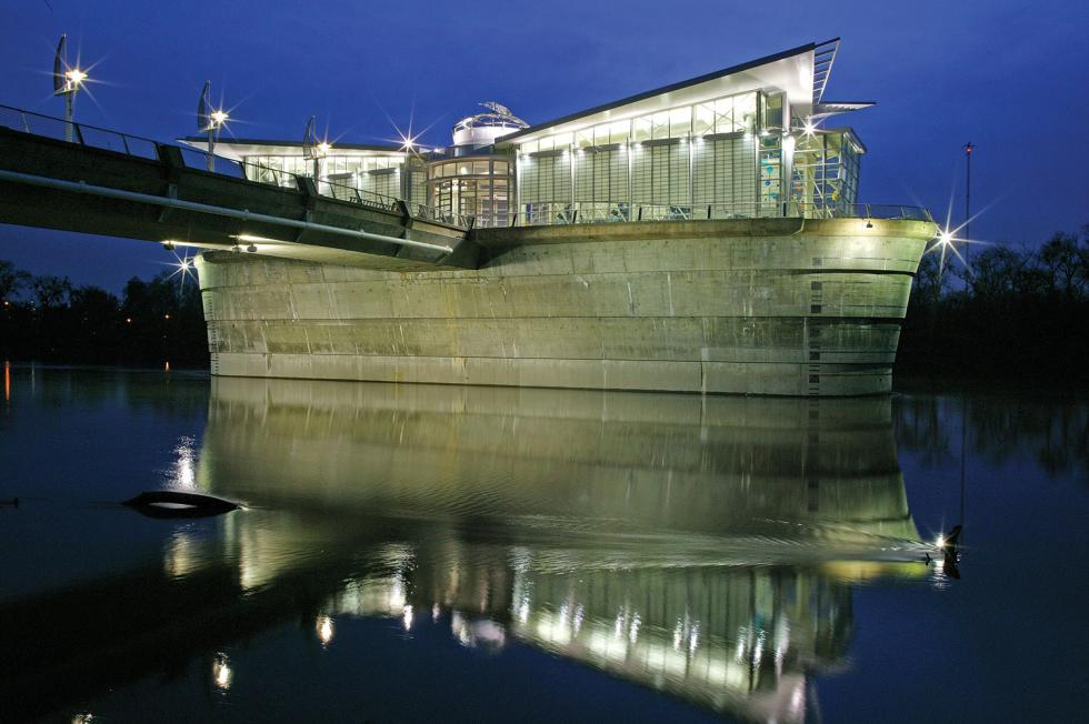 Lionakis' Sacramento River Water Intake gracefully blends form and function. (Photo by John Swain)