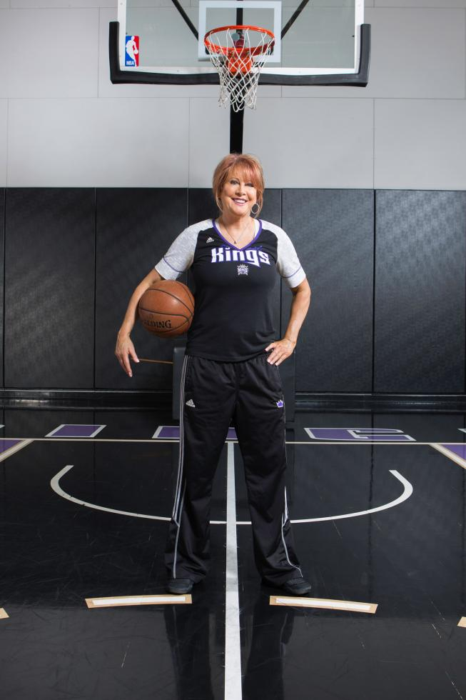 Sacramento Kings assistant coach Nancy Lieberman became the first woman to coach a professional men's basketball team in 2009, when she joined the Texas Legends.