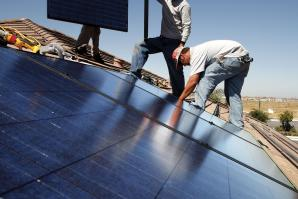 Yes! Construction Services Inc. installs solar panels on homes in Roseville.